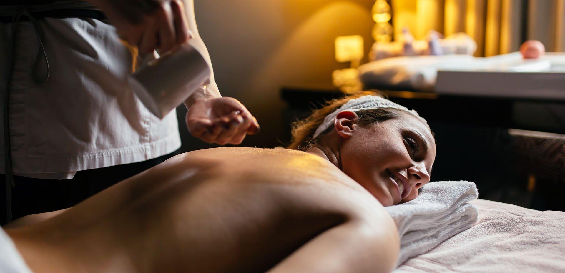 massaggio con olio