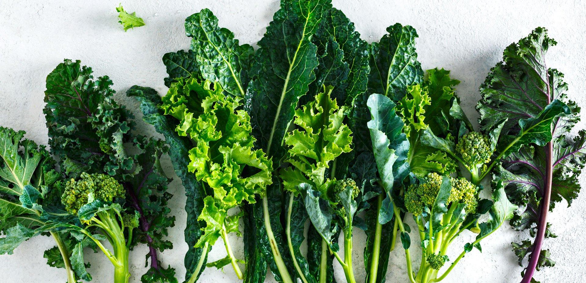 foglie verdi, kale, broccoli