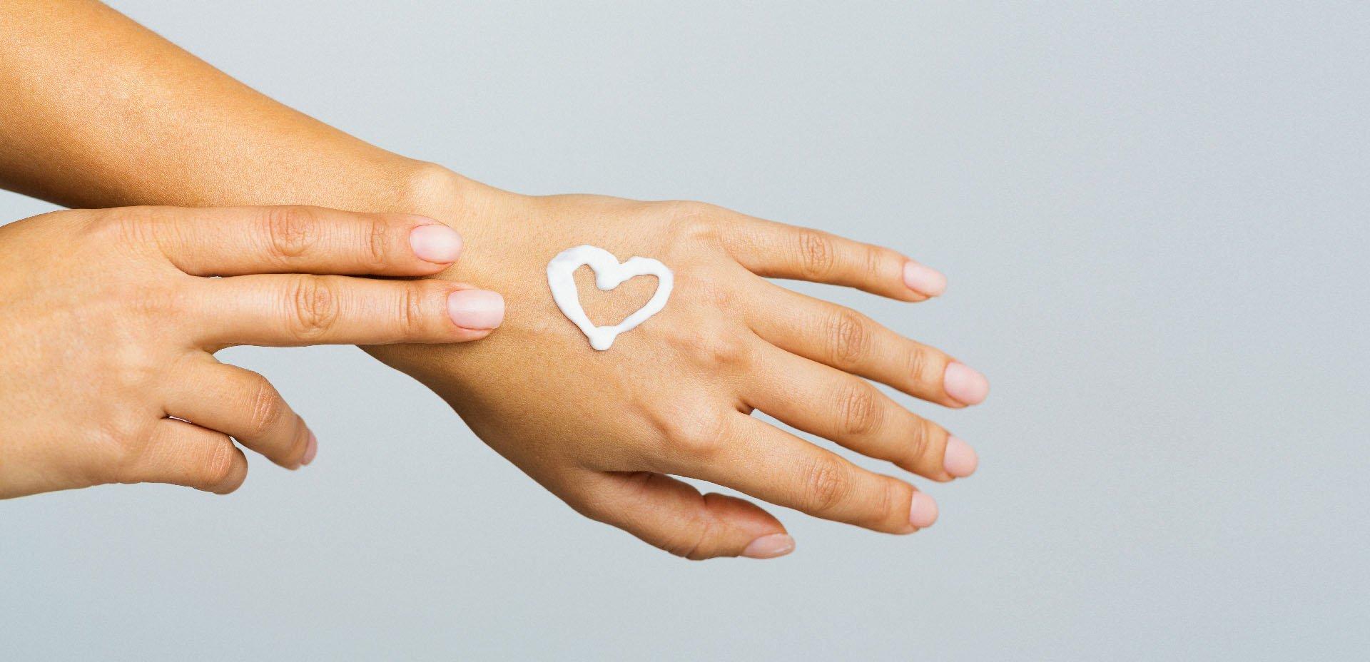 Verdesativa, rimedi naturali contro il freddo per mani e labbra