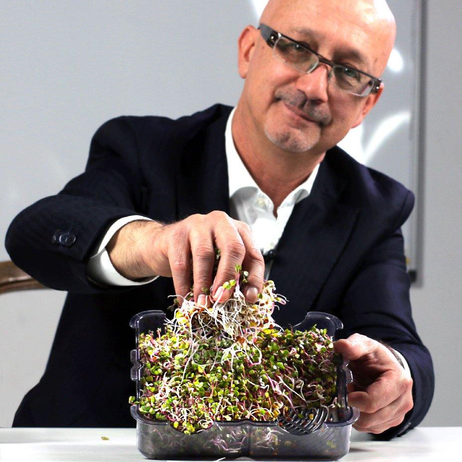 Fabio Fumi, germogliatore GermolioSì, vero e proprio orto domestico