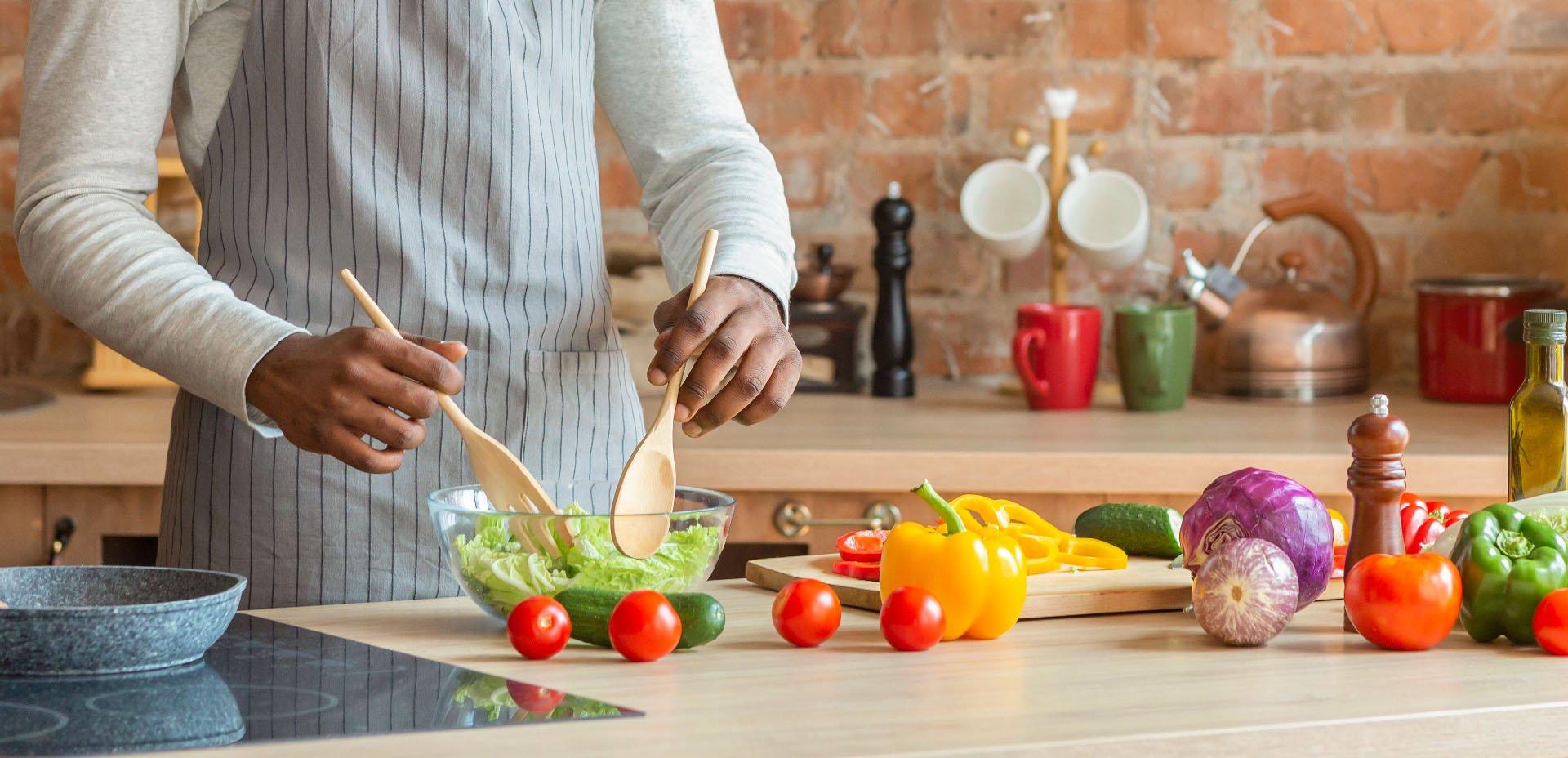 preparazione dell'insalata