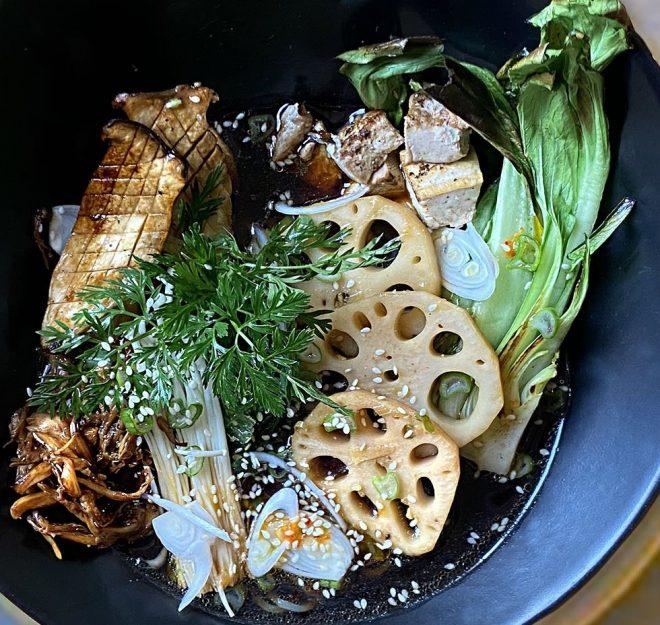 Zuppa con noodles di patate