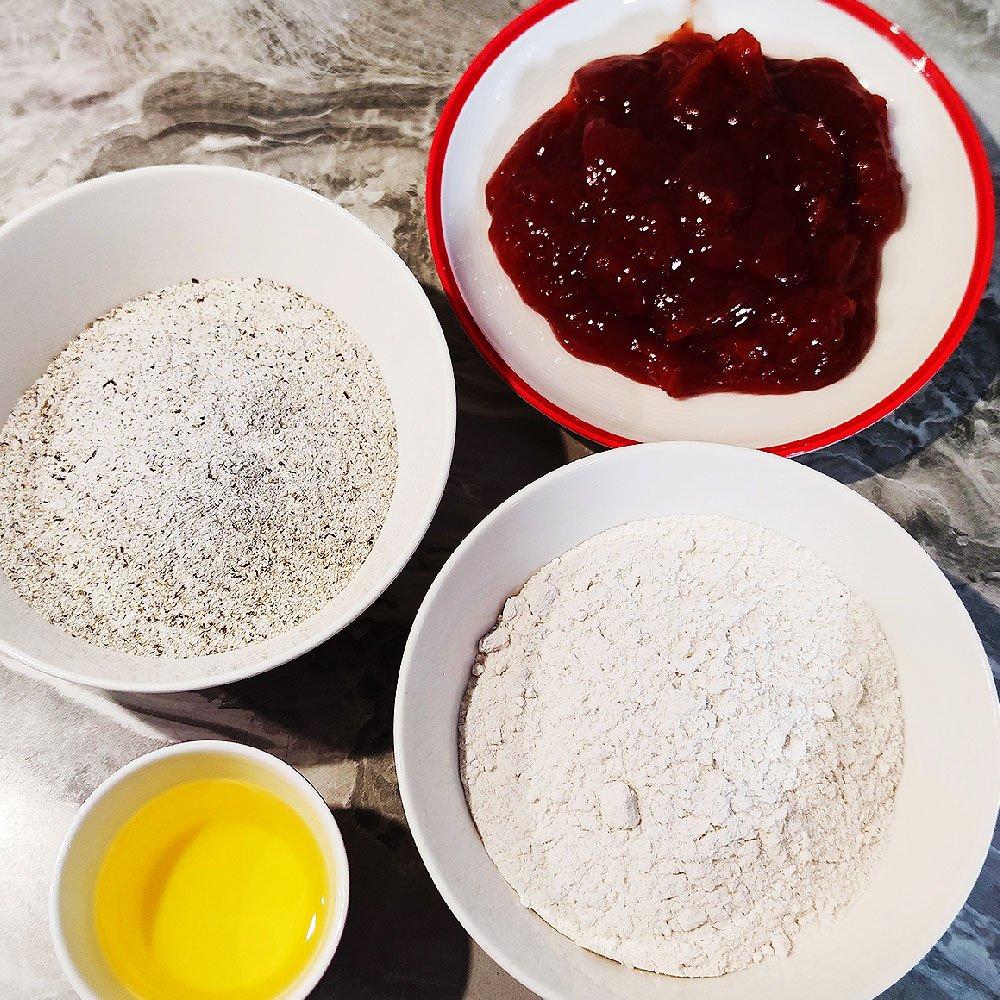 farina di riso, farina di grano saraceno, olio di mais, composta di fragole