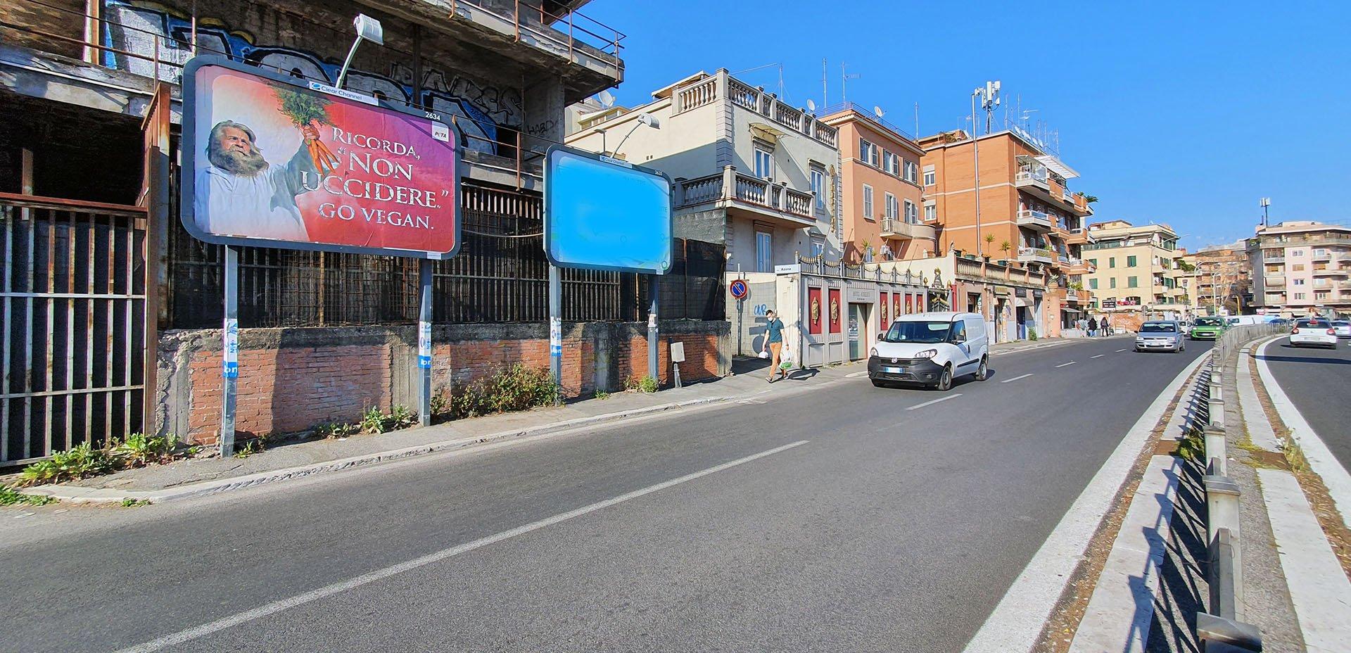 """affissi a Roma """"Non uccidere"""""""
