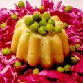 Tortini di mais bianco ai piselli e cavolo viola