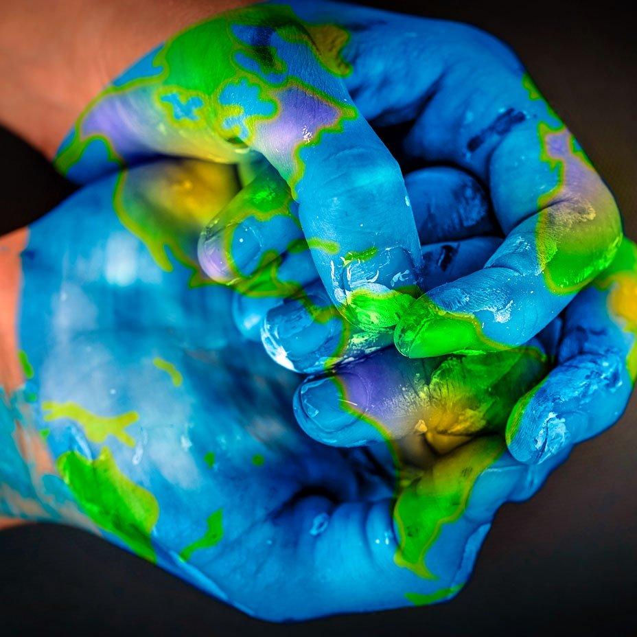 pianeta nelle mani