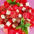 Insalata di tofu, datterini e olive