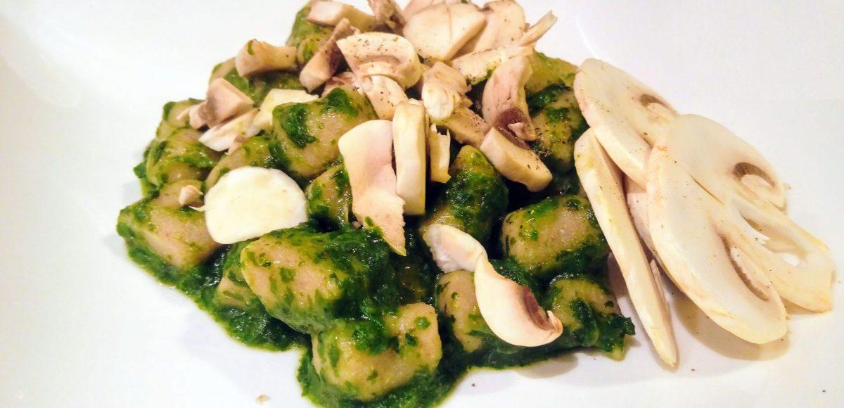 Gnocchi di grano saraceno al basilico e champignon